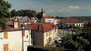 Pour toutes les villes-étapes, le Tour de France est un événement très attendu. ÀCastelnau-Magnoac (Hautes-Pyrénées), les habitants vont vivre leur tout premier Tour. (CAPTURE D'ÉCRAN FRANCE 3)