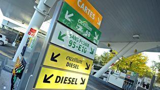 Une station essence à Lyon (Rhône), le 29 octobre 2014. (  MAXPPP)
