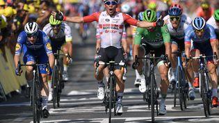 Caleb Ewan, vainqueur au sprint de la 16e étape du Tour de France à Nîmes. (MARCO BERTORELLO / AFP)
