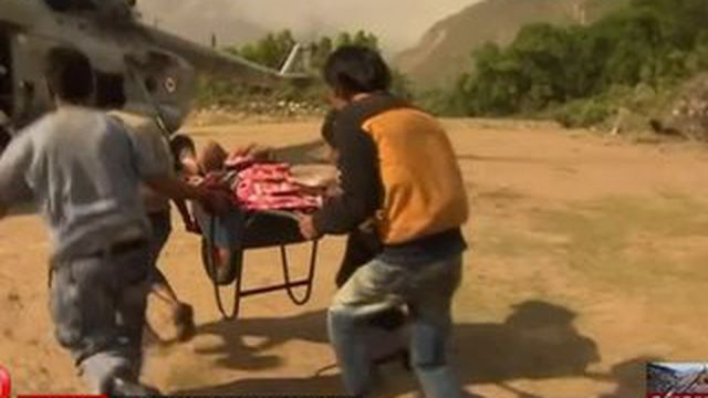 Népal : les secours viennent en aide aux villages reculés