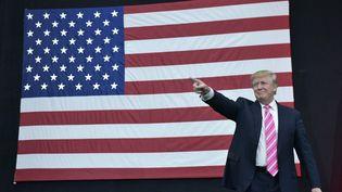 Donald Trump, le 1er octobre 2016, lors d'un meetingà Manheim (Pennsylvanie, Etats-Unis). (MANDEL NGAN / AFP)