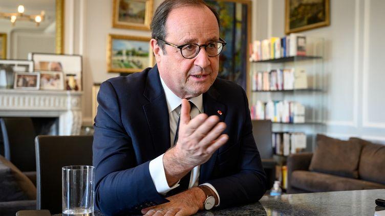 François Hollande, le 4 novembre 2020 à Paris. (BERTRAND GUAY / AFP)