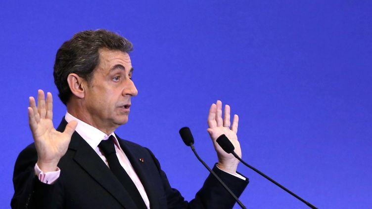 Le président de l'UMP, Nicolas Sarkozy, lors d'une réunion au siège de son parti, le 8 avril 2015. (MAXPPP)