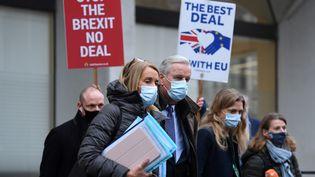 Michel Barnier, négociateur européen du Brexit, en visite à Londres, le 30 novembre 2020. (DANIEL LEAL-OLIVAS / AFP)