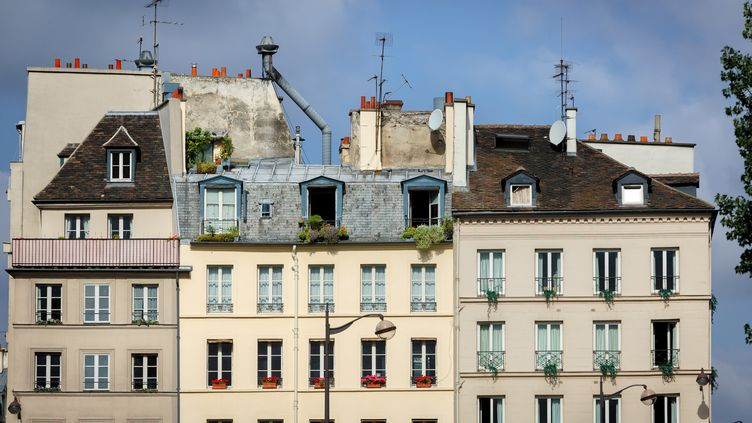 Le dispositif prend en charge leslocations dont le loyer est inférieur à 1 300 euros (charges comprises) et 1 500 euros à Paris. (FRANCOIS ROUX / AFP)
