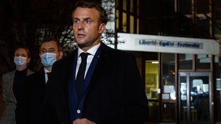 Le président de la République Emmanuel Macron, le 16 ocotobre 2020 àConflans Saint-Honorine (Yvelines). (ABDULMONAM EASSA / POOL / AFP)