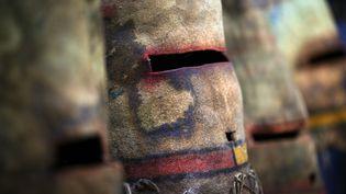 Masques Hopis présentés lors d'une précédente vente en 2013  (JOEL SAGET / AFP)