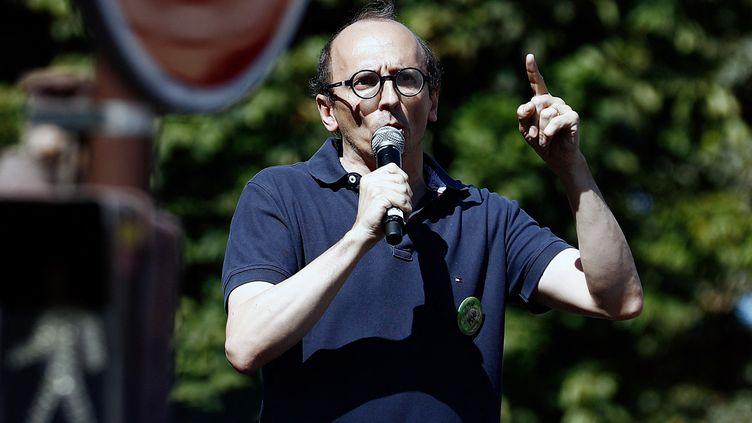 L'avocat Fabrice Di Vizio, lors d'une manifestation contre le pass sanitaire, le14 août 2021 à Paris. (SAMEER AL-DOUMY / AFP)
