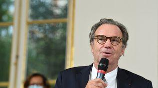 Le président de la région Provence-Alpes-Côte d'Azur, Renaud Muselier, s'exprime après avoir signé l'accord Matignon-régions, à Paris, le 28 septembre 2020. (ALAIN JOCARD / AFP)
