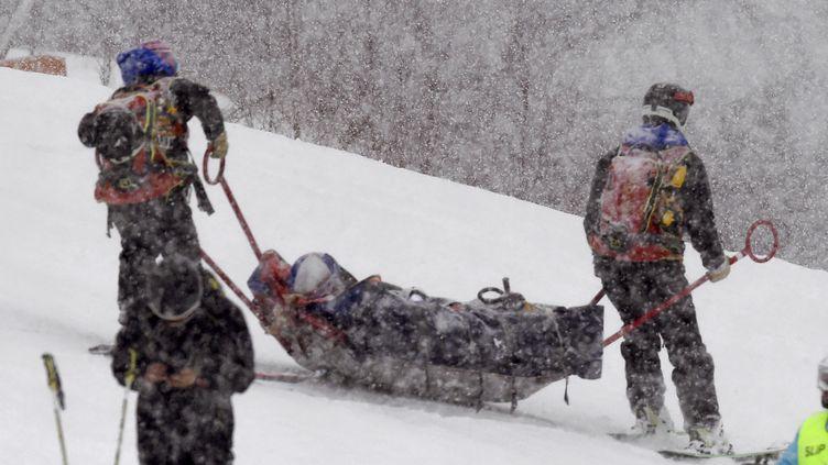 Lindsey Vonn évacuée de la piste de Soldeu (Andorre) (STR / AFP)