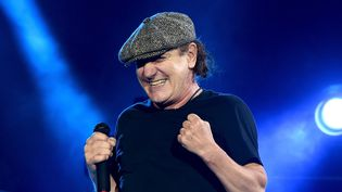 Brian Johnson sur scène à Los Angeles avec AC/DC en septembre 2015.  (Kevin Winter/ Getty Images / AFP )