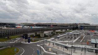 Vue d'une partie de l'aéroport d'Orly (Val-de-Marne), le3 avril 2020. (GEOFFROY VAN DER HASSELT / AFP)