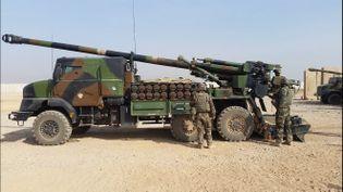 Chaque canon Caesar peut tirer des obus jusqu'à 40 kilomètres. (MATHILDE LEMAIRE / RADIO FRANCE)