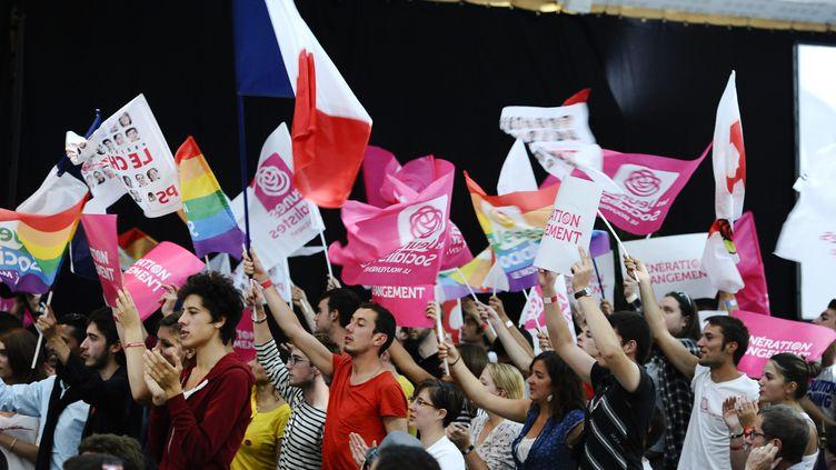 Des militants des Jeunes socialistes à l'université d'été du PS à La Rochelle, le 28 août 2011. (MAXPPP)