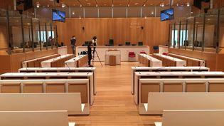 La salle d'audience 2.02 du tribunal de Paris, porte de Clichy, où seront jugés 14 accusés dans le procès des attentats de janvier 2015, à partir du 2 septembre 2020. (CATHERINE FOURNIER / FRANCEINFO)