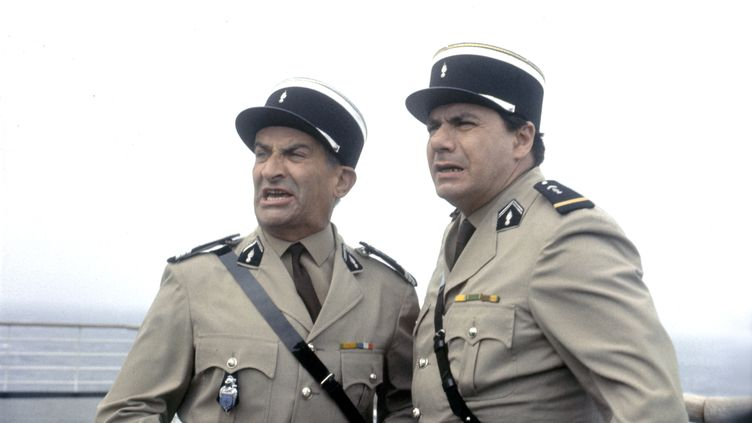 """Louis de Funès (gauche) et Michel Galabru dans """"Le gendarme à New York"""", sorti au cinéma en 1965. (SCREEN PROD / AFP)"""