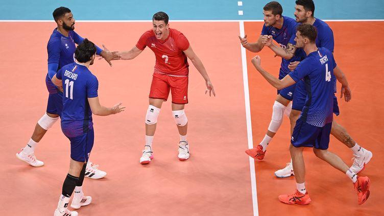 L'équipe de France de volleya battu le Comité olympique russe lors du tournoi olympique des Jeux de Tokyo, le 30 juillet 2021. (CROSNIER JULIEN / KMSP)