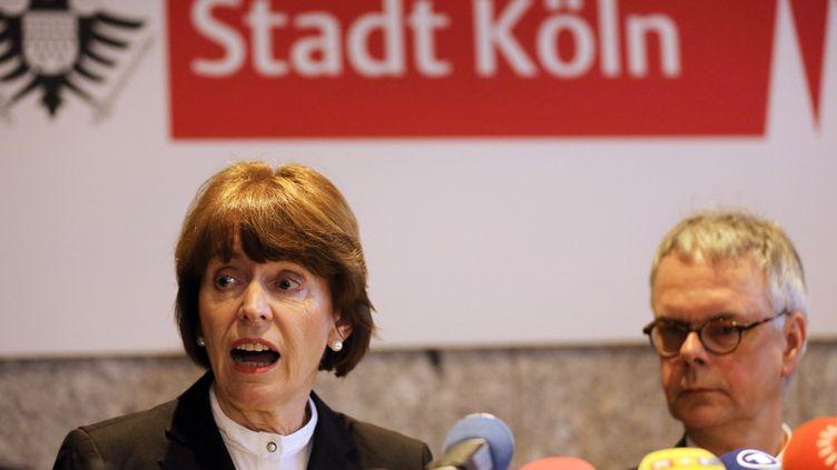 Henriette Reker, la maire de Cologne (Allemagne), lors d'une conférence de presse sur les incidents du Nouvel An, le 5 janvier 2016. (OLIVER BERG / DPA)