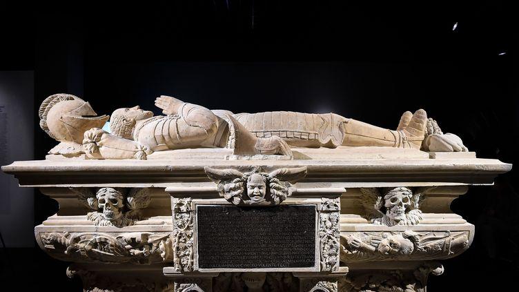 La tombeau de Montaigneau musée d'Aquitaine de Bordeaux. (UGO AMEZ/SIPA)