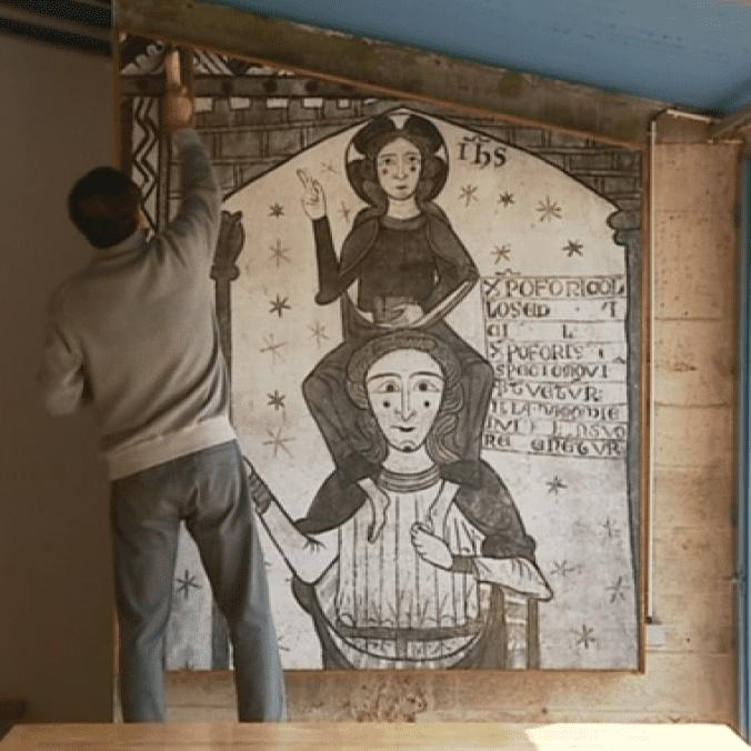 Tetsuyu Shiraishi restaure une fresque de Le Corbusier  (Le Corbusier. France 3/ Culturebox)