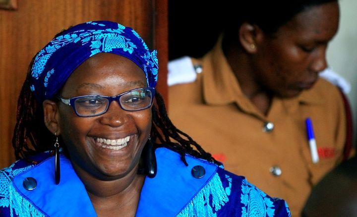 L'universitaire ougandaise Stella Nyanzi au tribunal de Buganda, à Kampala (Ouganda) le 25 avril 2017, pour avoir proféré des propos offensants envers le président Museveni sur sa page Facebook. (JAMES AKENA / X02107)