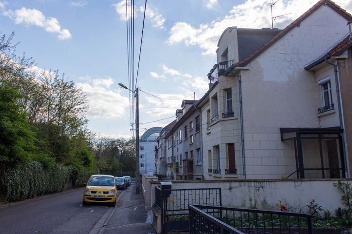 La rue Venizélos, le 19 avril, 2017. Patrick Dils habitait dans cette rue. (VIOLAINE JAUSSENT / FRANCEINFO)