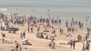 Déconfinement : des règles pour gérer l'affluence sur les plages (FRANCE 2)