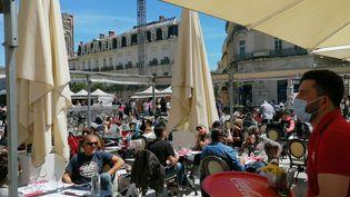 Les terrasses bondées à Montpellier pour le déconfinement, le 19 mai 2021. (ROMAIN BERCHET / FRANCE-BLEU HÉRAULT)
