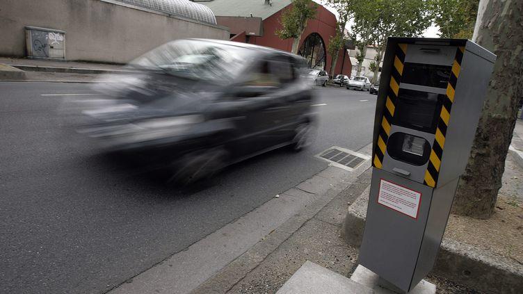 Selon la Sécurité routière, les conducteurs étrangers représentent 20 à 25% des flashs de radars automatiquespour excès de vitesse. (MAXIME JEGAT / LE PROGRES / MAXPPP)