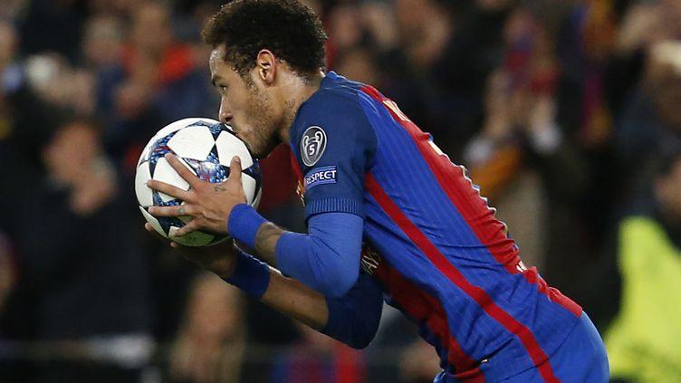 Neymar lors d'un match contre le PSG, le 8 mai 2017 à Barcelone. (PAU BARRENA / AFP)