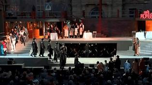 """Représentation de """"La Bohème"""" dans le parc du château de Sceaux, marquant le lancement de l'édition 2016 d'""""Opéra en plein air"""", le 10 juin 2016.  (Culturebox / Capture d'écran)"""