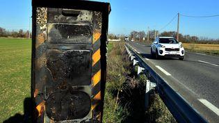 Un radar vandalisé, le 14 février 2019 en Haute-Garonne. (MAXPPP)
