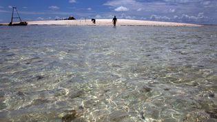 Vue d'une île de l'archipel des Kiribati en 2013. (DAVID GRAY / REUTERS)