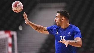 Hugo Descat, lors du match de poule entre la France et l'Espagne, le 30 juillet 2021. (KEMPINAIRE STEPHANE / KMSP / AFP)