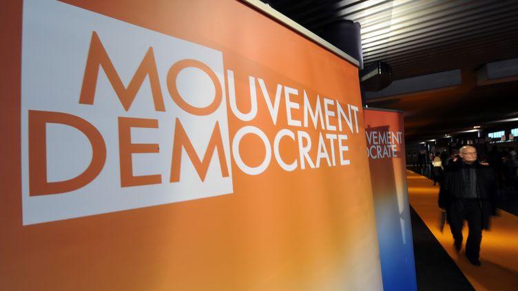 Le logo du MoDem, le 4 décembre 2004. (DENIS CHARLET / AFP)