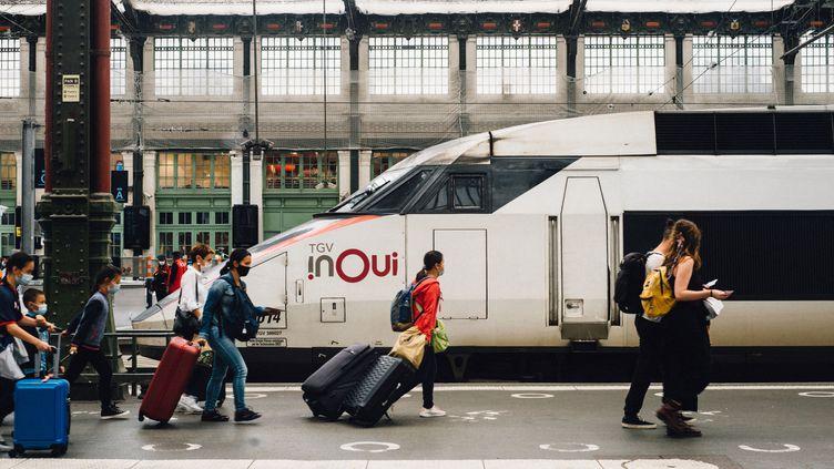 Paris, gare de Lyon, août 2021. C'est parti pour les réservations SNCF pour les vacances de Noël. (Illustration) (DELPHINE LEFEBVRE / HANS LUCAS / AFP)