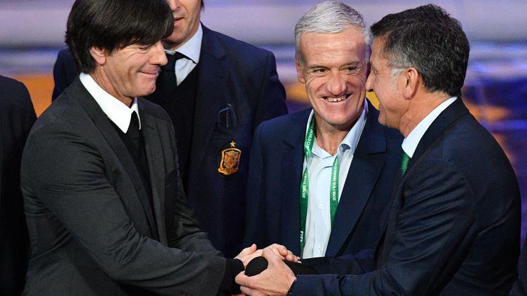 Didier Deschamps en compagnie du selectionneur allemand Joachim Löw (à droite)