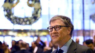 Le co-fondateur de Microsoft, Bill Gates, à la Trump Tower à New York après une recontre avec Donald Trump, alors président-élu des Etats-Unis, le 13 décembre 2016. (TIMOTHY A. CLARY / AFP)