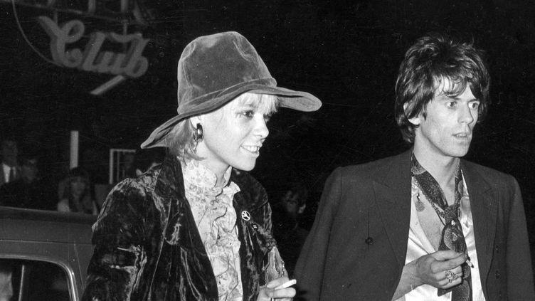 Anita Pallenberg avec Keith Richards dans les années 1960 à Rome.  (Archivi Farabola / Leemage)