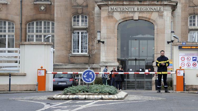 La maternité de Nancy (Meurthe-et-Moselle) dans laquelle a été enlevé le petit Lucas qui a ensuite étéretrouvé mercredi 19 décembre. (JEAN-CHRISTOPHE VERHAEGEN / AFP)