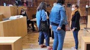 Valérie Bacot avant le deuxième jour de son procès. (GAEL SIMON / FRANCE TELEVISIONS)