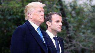 Le président américain Donald Trump et le président français Emmanuel Macron au Mont Vernon (Virginie), dans la propriété du premier président américain George Washington. Le 23 avril 2018.   (LUDOVIC MARIN/AFP)