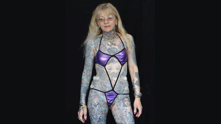 Marie-France Estève photographiée au salon du tatouage de Bordeaux, le 27 mars 2011  (Caroline Blumberg / EFE / MaxPPP)