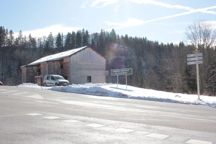 La maison médicale de Clavières, dans la commune de Septmoncel (Jura), le 6 février 2020. (GUILLEMETTE JEANNOT / FRANCEINFO)