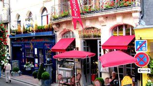 Restaurant à Honfleur (Calvados), le 6 juin 2013. (ANGELO CALVINO / TIPS)