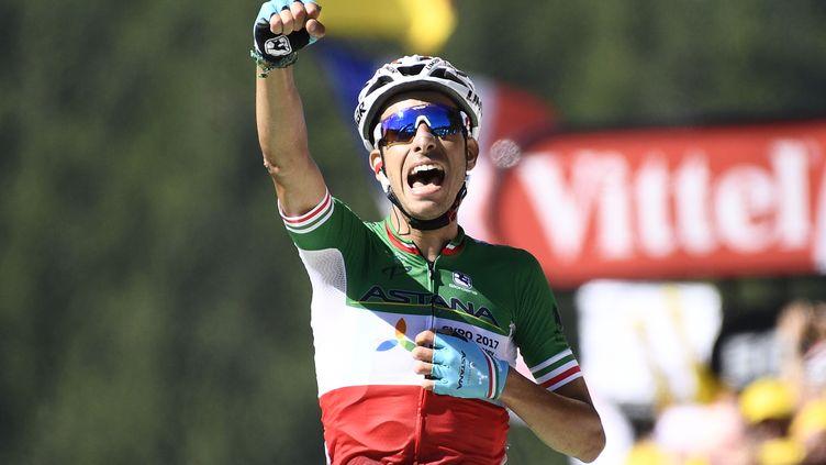 Le champion d'Italie Fabio Aru (Astana) s'impose au sommet de La Planche des Belles Filles, terme de la 5e étape du Tour de France 2017. (YORICK JANSENS / BELGA MAG)