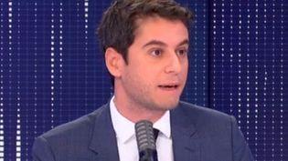 Gabriel Attal, porte-parole du gouvernement sur franceinfo, le 20 novembre 2020. (FRANCEINFO / RADIOFRANCE)