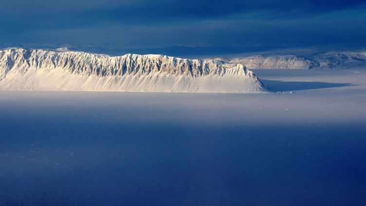 L'île d'Ellesmere (Canada), où se trouve la plateforme de glace Milne, photographiée le 6 août 2020. (NASA / REUTERS)