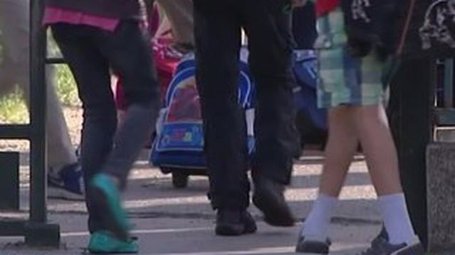 Des enseignants font grève pour faire le pont de l'Ascension