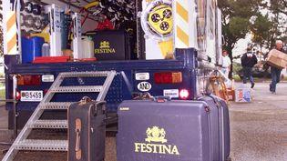 Le camion de l'équipe cycliste Festina à Brive, le 12 juillet 1998. (JOEL SAGET / AFP)